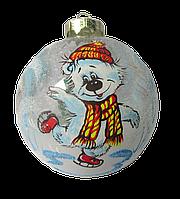 """Стеклянный шар """"Медвежонок на коньках"""" 55 мм"""