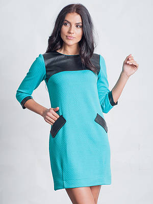 Теплое женское платье с карманами