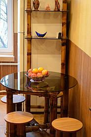 Обеденный столик, табуретки, полочка из стекла и бамбука