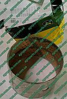 Втулка H158884 поворотного кулака H94946 John Deere купить Н158884 з.ч для комбайна Джон Дир Н94946
