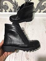 Стильные ботинки на шнуровке. Демисизонные. Материал натуральная кожа/замш. Цвет черный. Р-р 36-40.
