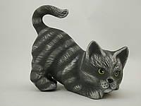 Керамическое изделие из глины ручной работы Копилка котик прыгает  размер 16-15 см