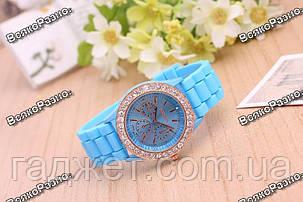 Женские часы Geneva со стразами голубого цвета, фото 2