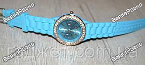 Женские часы Geneva со стразами голубого цвета, фото 3
