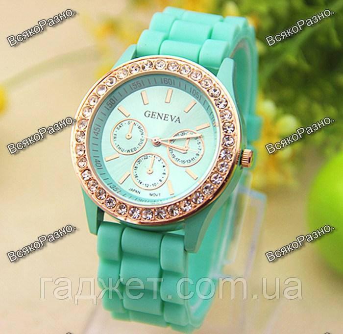 Женские часы Geneva со стразами мятного цвета. Женские часы.
