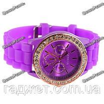 Женские часы Geneva со стразами фиолетового цвета. Женские часы., фото 2