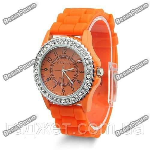 Женские часы Geneva cо стразами оранжевые
