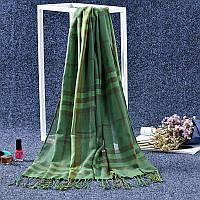 Стильный легкий женский шарф в клетку зеленого цвета
