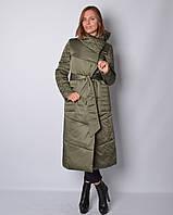 Женская удлиненная куртка из атласа под пояс