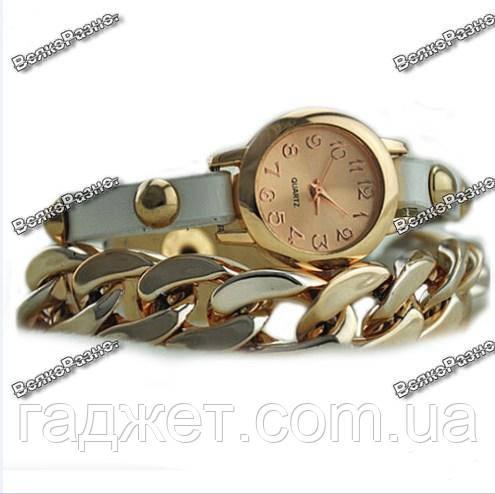 Женские наручные часы с декоративной цепочкой белого цвета. Женские часы