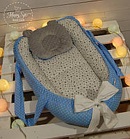 Кокон-позиціонер для новонароджених з твердим дном+ортопедична подушечка в сіро-блакитних тонах 1331