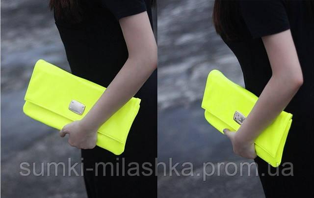 купить женский яркий брендовый клатч недорого в руку