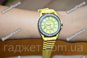 Женские часы Geneva cо стразами желтого цвета., фото 2