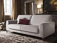 Стильный итальянский диван на высоких ножках PAUL фабрика Felis