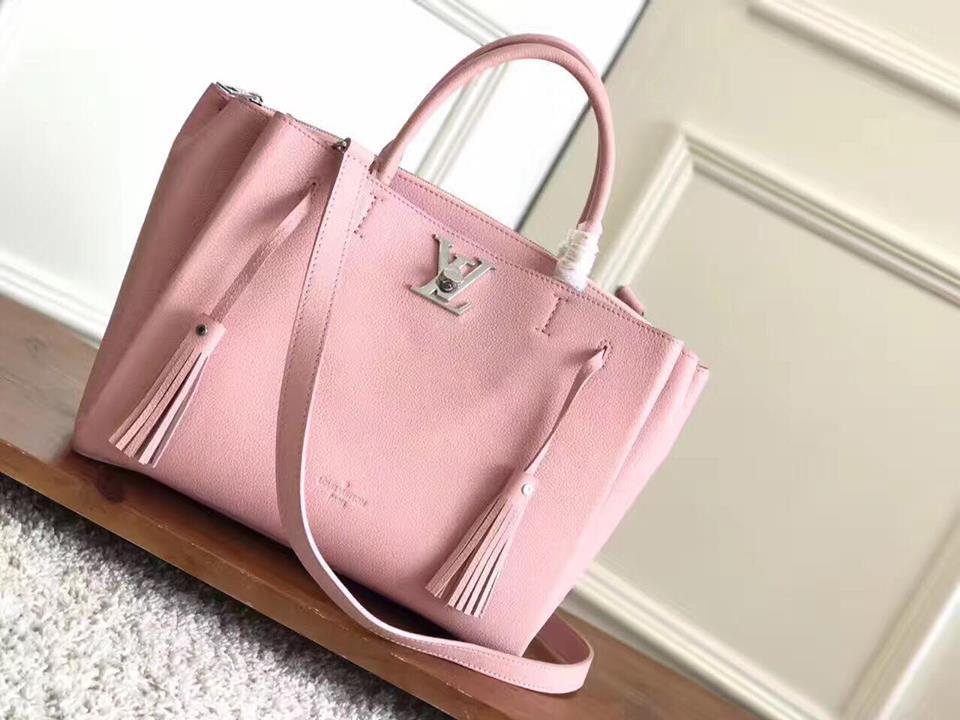 Женская сумка Louis Vuitton Lockme Tote