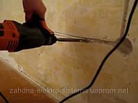 Штроблення панельної стіни для монтажу електропроводки