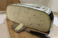 Сыр Гауда с трюфелями (Truffle Gouda Cheese) (режем от 300 грамм)