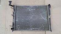 Радиатор охлаждения двигателя Kia Ceed 2008 г.в., 253101H050