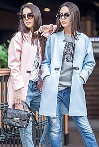 Женское осеннее пальто с застежкой в виде ремешка