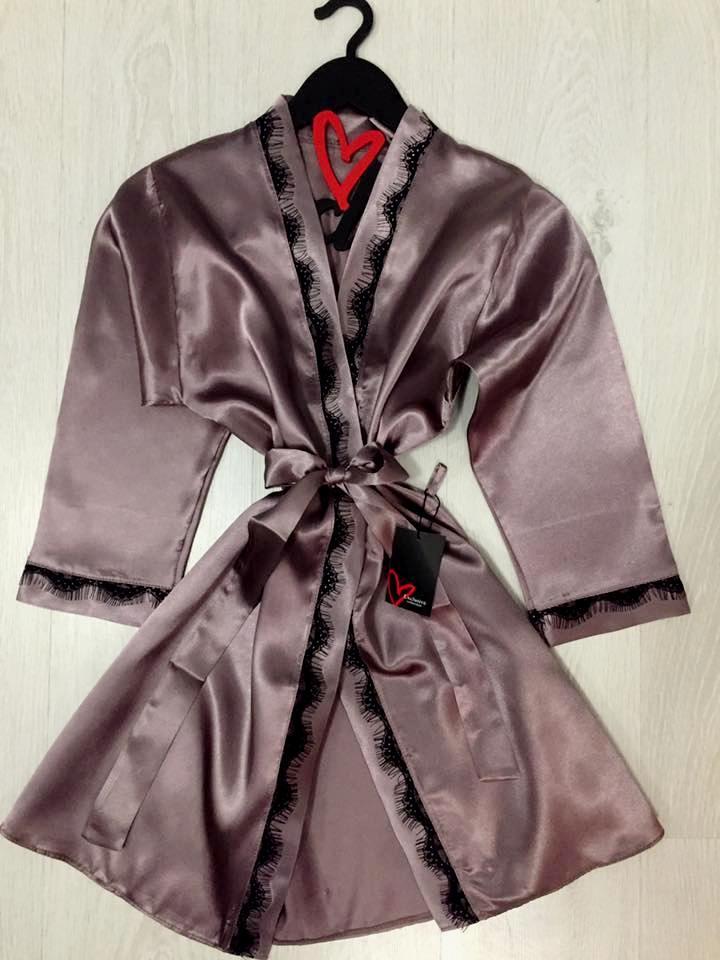 Женский халат с кружевом, одежда для дома.