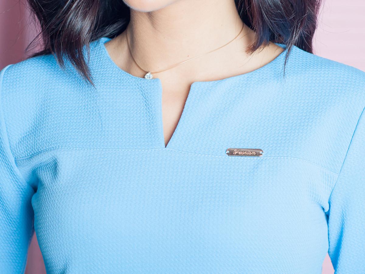 Женская кофточка голубого цвета