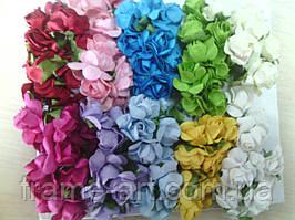 Букет из бумажных роз 2-2,5см 12 шт разные 3920