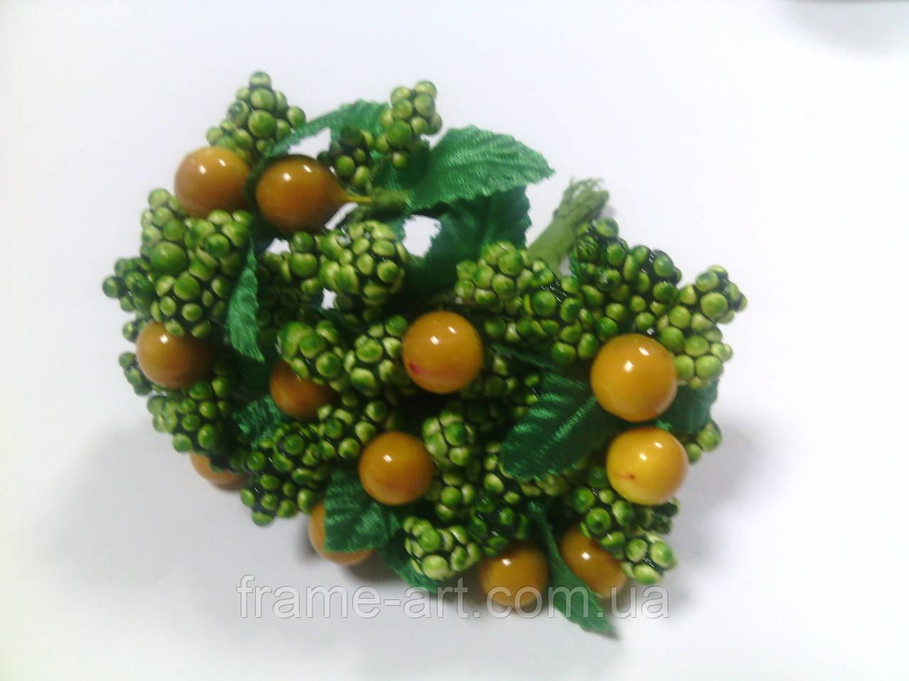 Добавка легкая 02777 ягоды на траве 15 желтый