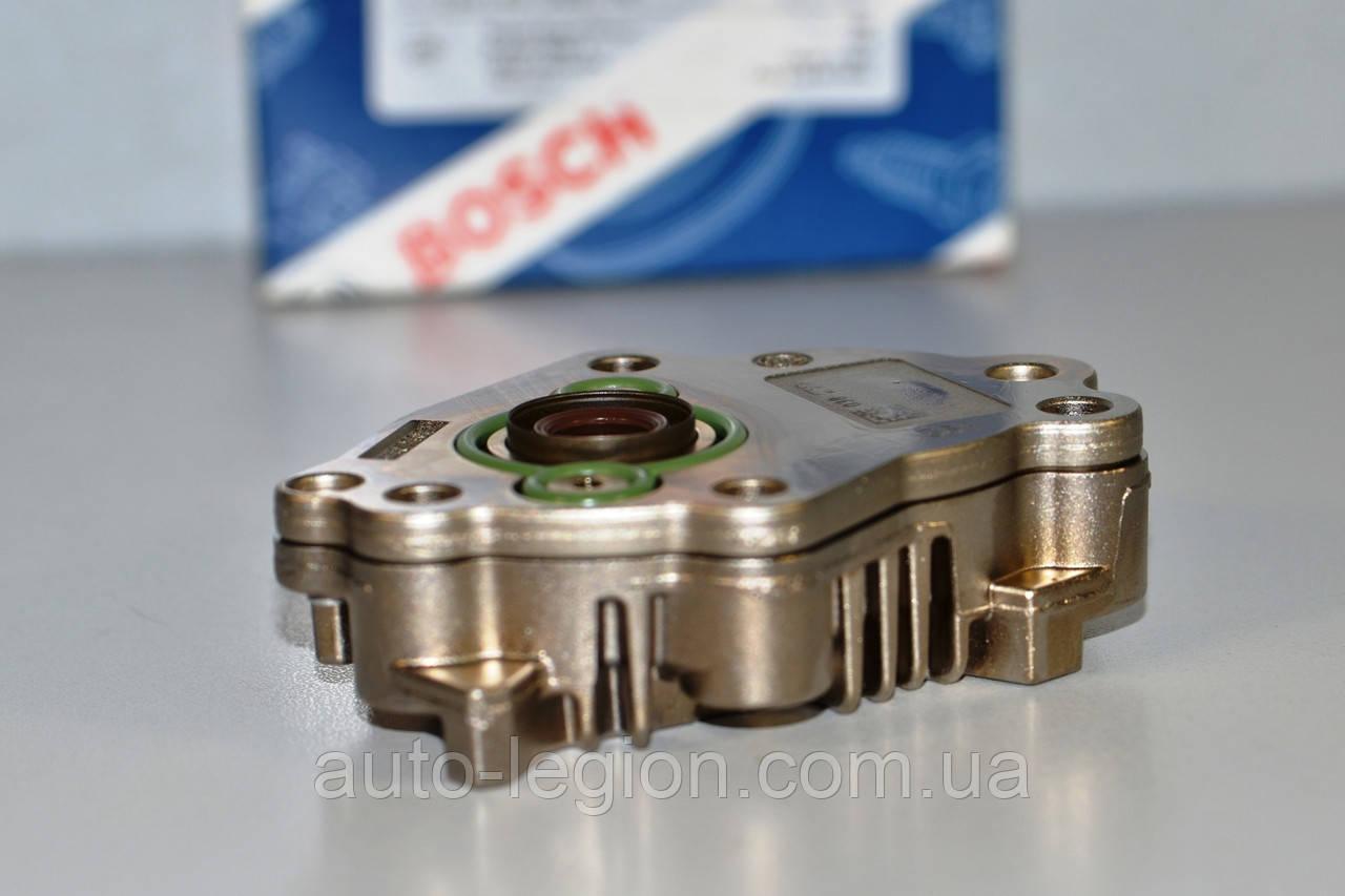 Топливоподкачивающий насос ТНВД  на Renault Trafic  2001->  1.9dCi  —  Bosch (Германия) - 0440020038