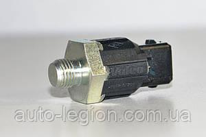 Датчик детонации на Renault Trafic 2001-> — RENAULT(Оригинал) - 8200680689