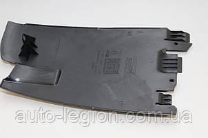 Защита под задний бампер на Renault Trafic 2001-> (правая R)  —  Renault (Оригинал) - 8200066884