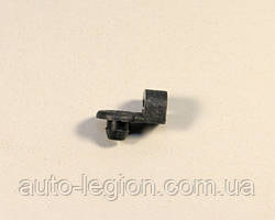 Зажим (клипса) тяги замка задней двери на Renault Trafic 2001-> — Renault (Оригинал) - 7701069759