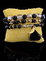 Красивый женский браслет из бусин