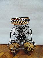 Подставка кованная с плетением из ротанга размер 64*54*27