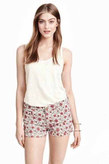 Цветочные джинсовые шорты H&M