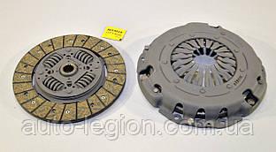 Комплект зчеплення на Renault Master II 03->2010 (3.0 dCi, d=240mm) — Renault (Оригінал) - 7711497161