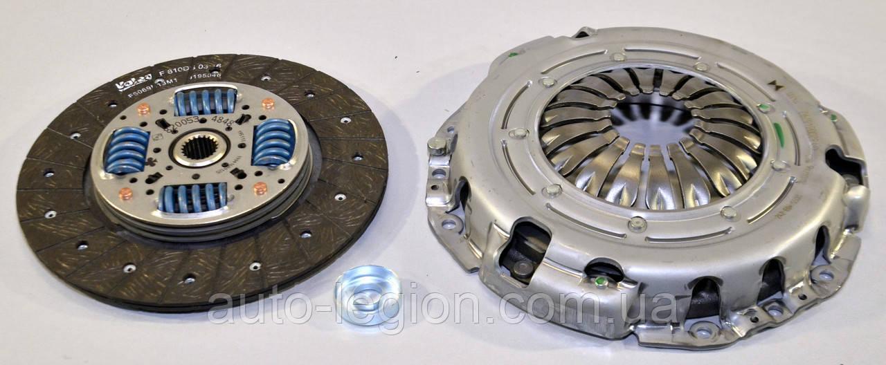 Комплект сцепления на Renault Master II 98->2010 (d=240mm)  — Renault (Оригинал) - 7711134835