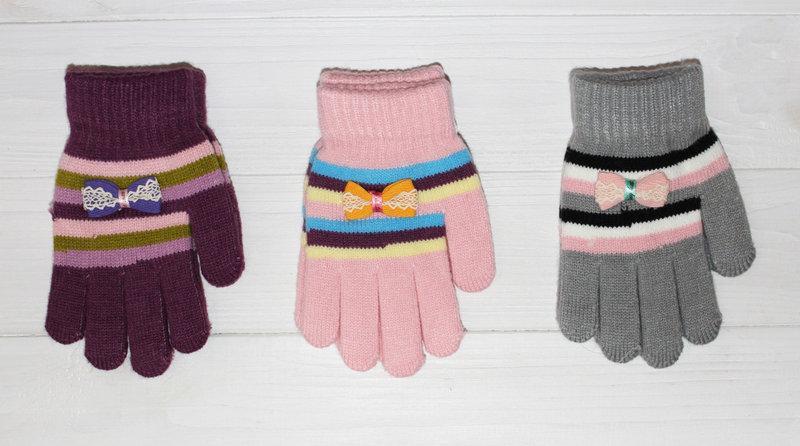 Детские теплые красивые вязанные перчатки рукавички.