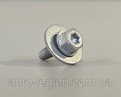 Болт крепления фары / защиты двигателя на Renault Trafic 2001-> — Renault (Оригинал) - 7703602206