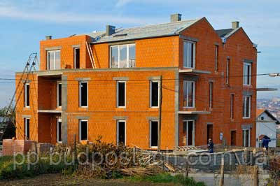 Трехэтажный коттедж из поризованной керамики