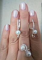 Гарнитур серебряных украшений  с  жемчугом