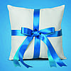 Подушечка для обручальных колец с голубой лентой