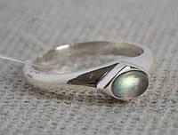 Серебряное кольцо с лабрадором 18 размера. Кольца