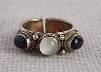 """Кольцо """"3 камня"""" с селенитом и обсидианом. Кольцо с лунным камнем. Кольцо с обсидианом"""