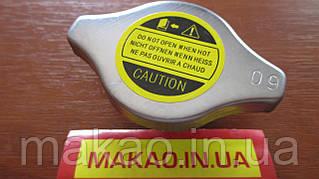 Крышка радиатора D наруж-44,клап 1-25, клап2-13,выс.общ-22,длина захвата-10,5мм,давление 0.9 bar.