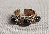 Кольцо с обсидианом на медно-латунной основе. Кольца с натуральными камнями