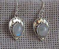 Серебряные серьги с лунным камнем. Серьги с камнями