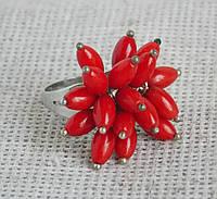 Кольцо  с  кораллом. Кольца с камнями