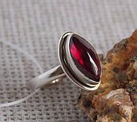 Серебряное кольцо с гранатом14 размера . Кольца