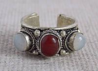 "Кольцо ""3 камня"" с халцедонами. Кольца с камнями"