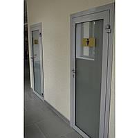 Двери в алюминиевой коробке